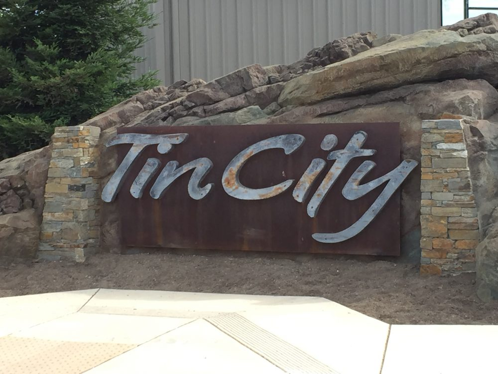 tin city wine tasting