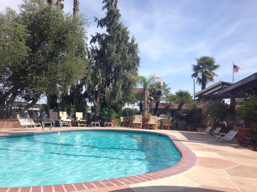 paso robles hotels with pools